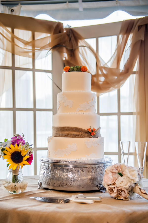 Rustic Wedding Cake with Burlap | photo by Ross Costanza Photography | as seen on www.brendasweddingblog.com