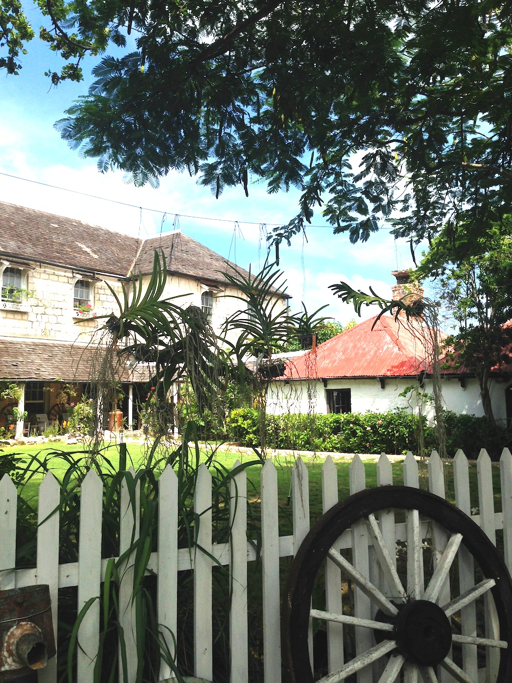 Greenwood Great House in Jamaica - the perfect location for a destination wedding / read all about it on www.BrendasWeddingBlog.com