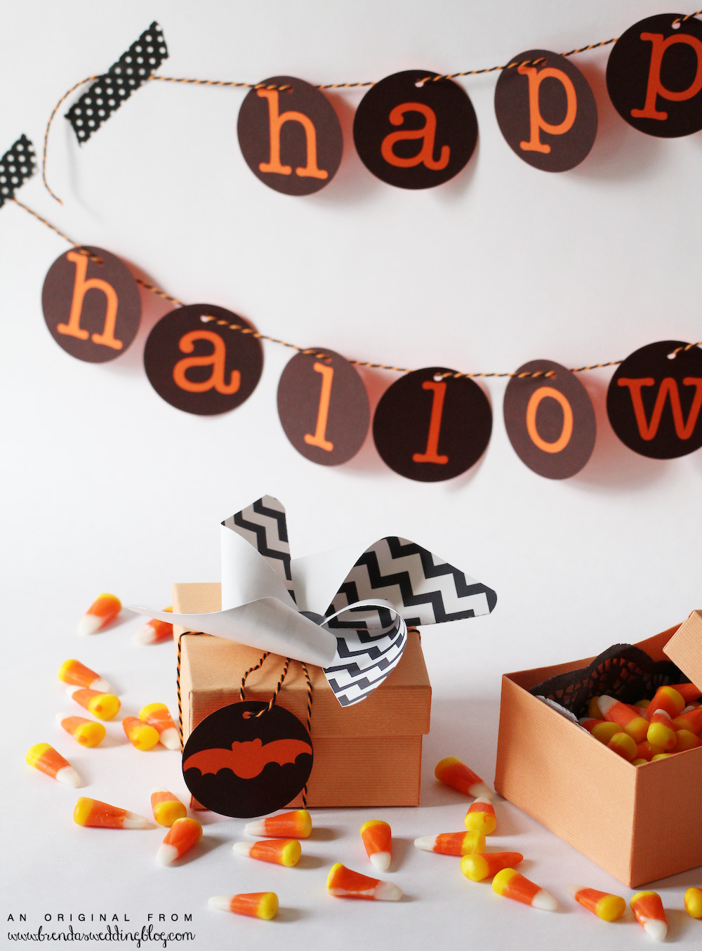 DIY Printable Chevron Pattern Pinwheels and Happy Halloween Banner / from www.BrendasWeddingBlog.com