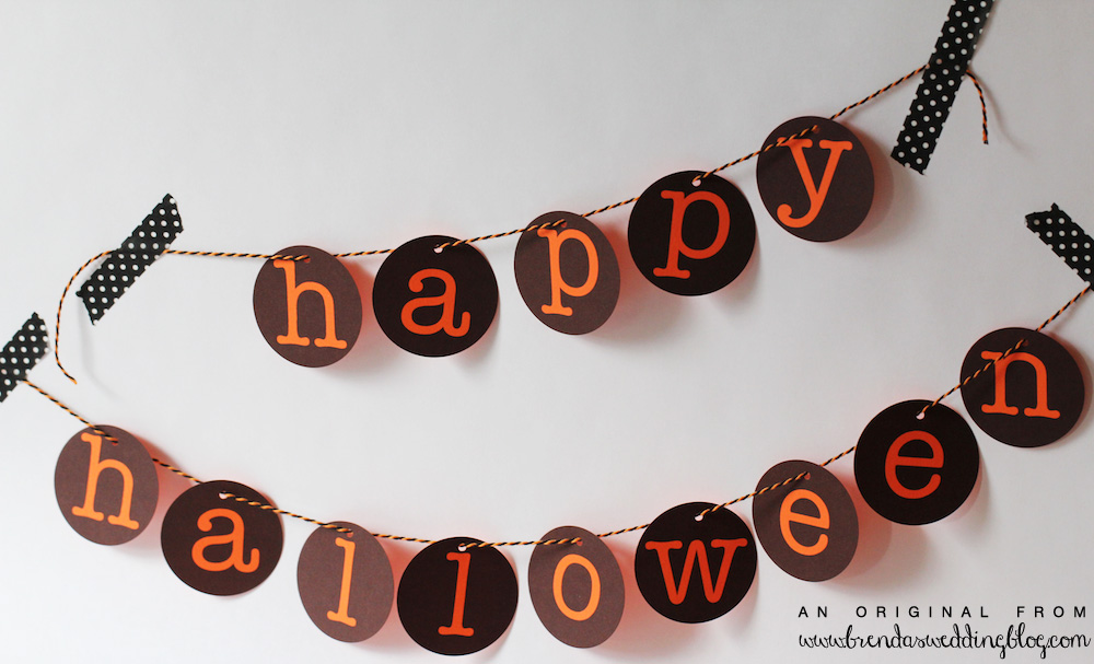 DIY Printable Happy Halloween Banner / from www.BrendasWeddingBlog.com