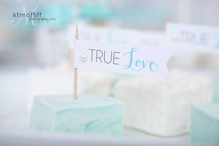 True Love Cupcake Flags - DIY Printable from Go Against the Grain / as seen on www.BrendasWeddingBlog.com