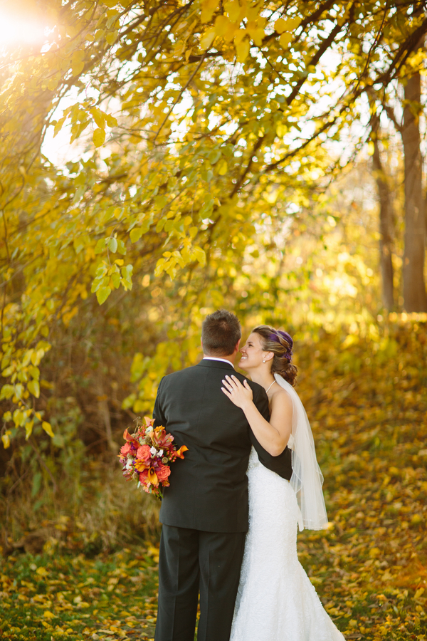 The Fall Season Provides a Great Wedding Photo Backdrop / photo by Morgan Lindsay Photography / as seen on www.BrendasWeddingBlog.com