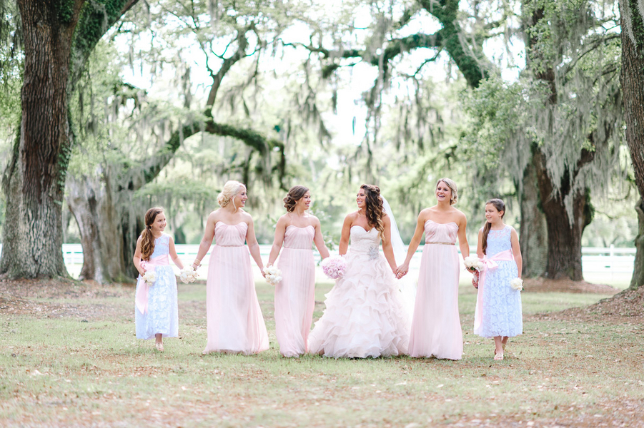 A Southern Wedding Bridal Party : Bride in Ruffled Vera Wang Wedding Gown : photo by Pasha Belman Photography