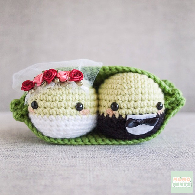 Bride and Groom Peas in a Pod : crocheted by momomints