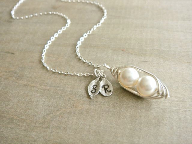 peas-in-a-pod-initial-necklace-072015.jpg