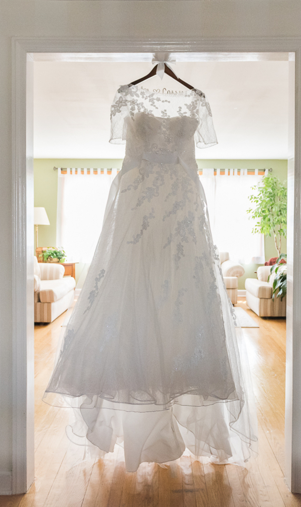 Gorgeous Lace Pronovias Wedding Gown from a New Jersey Real Wedding / photo by Havana Photography