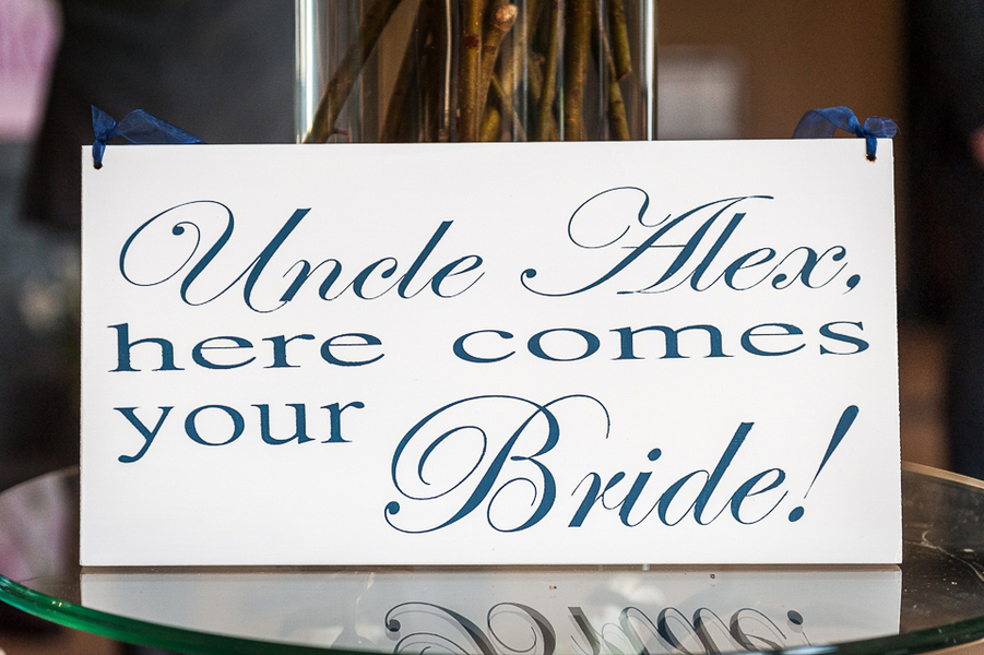 Here Comes the Bride Sign / photo by Havana Photography