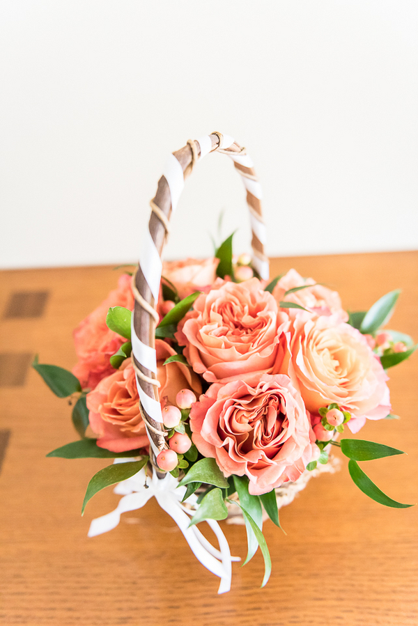 Pretty Orange Wedding Flower Basket / photo by Havana Photography / Florals by Barbara Bell Design