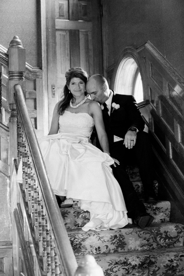Loree-Photography-081415-couple-stairs-bw.jpg