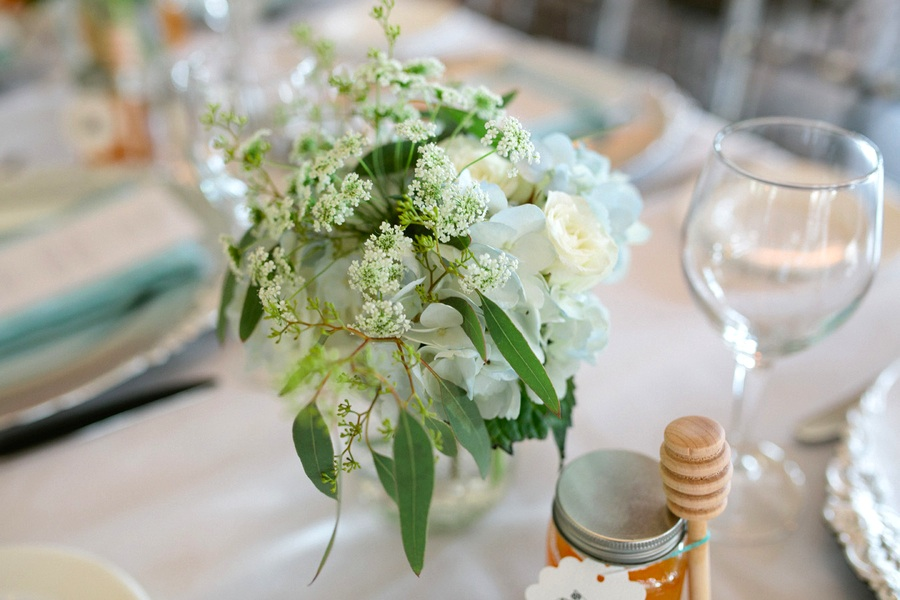 Loree-Photography-081415-table-centerpiece.jpg