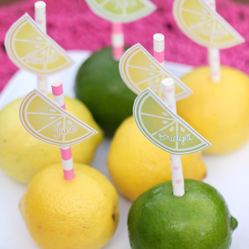 Create Place Cards for your Guests with Paper Straws in Lemons and Limes / guests can slice their citrus for their drinks