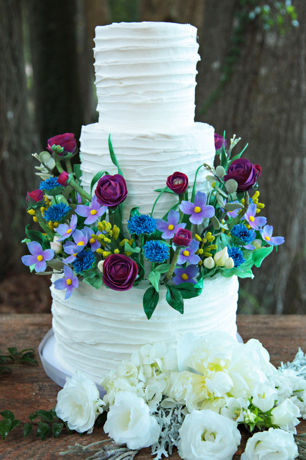 Gorgeous White Wedding Cake with Handmade Sugar Flowers by Sugar Suite / photo by Tab McCausland Photography