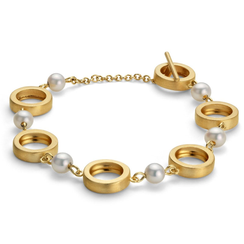 Freshwater Cultured Pearl Circle Bracelet
