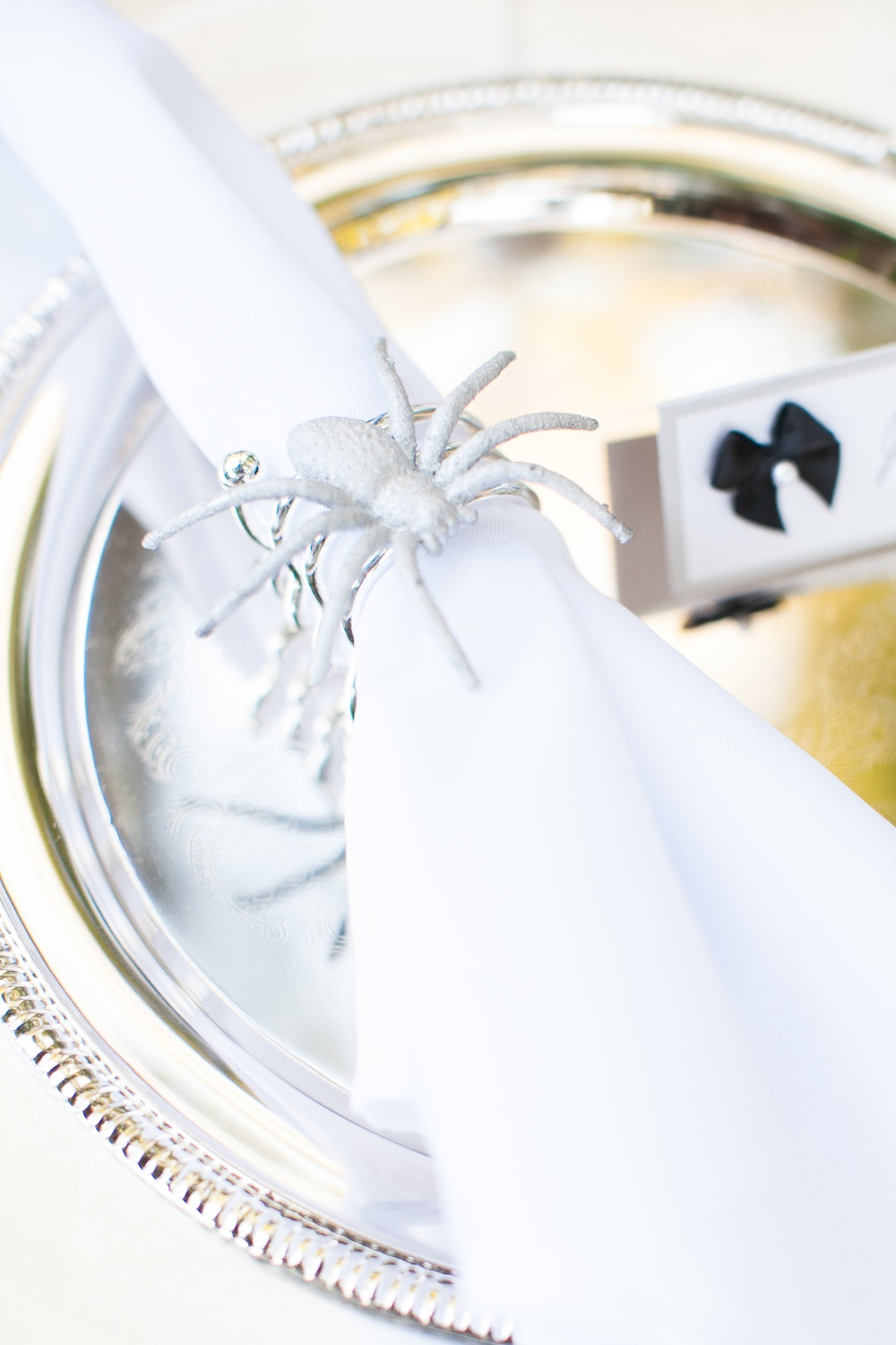 Classy Halloween Wedding Napkin Ring / photo by {a}strid Photography