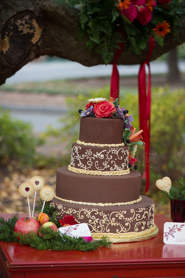 Rustic Wedding Cake by Cake Heaven / photo by Evelyn Alas Photography