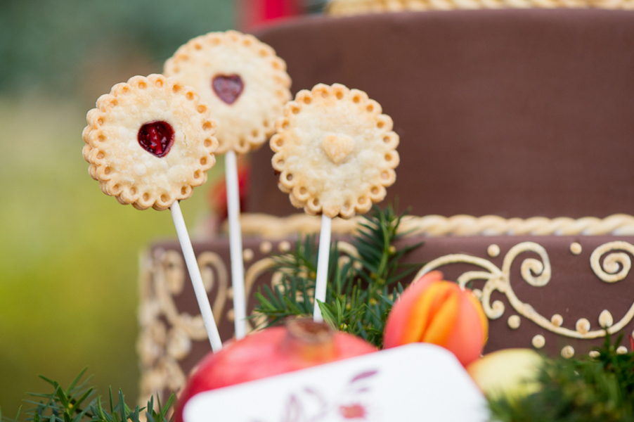 Pomegranate-Winter-Wedding-120415-pie-pops-2.jpg