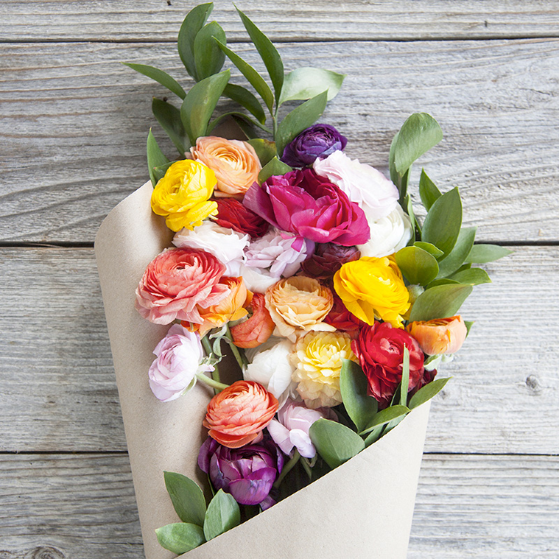 Cake n' Cream Bouquet : a sweet treat with the mixed Ranunculus