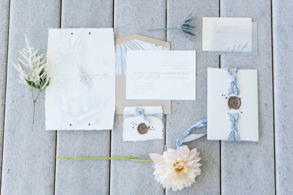 Coastal Chic Wedding Inspiration / photo by Caroline & Evan Photography / invitation suite by Eleven Note Stationery