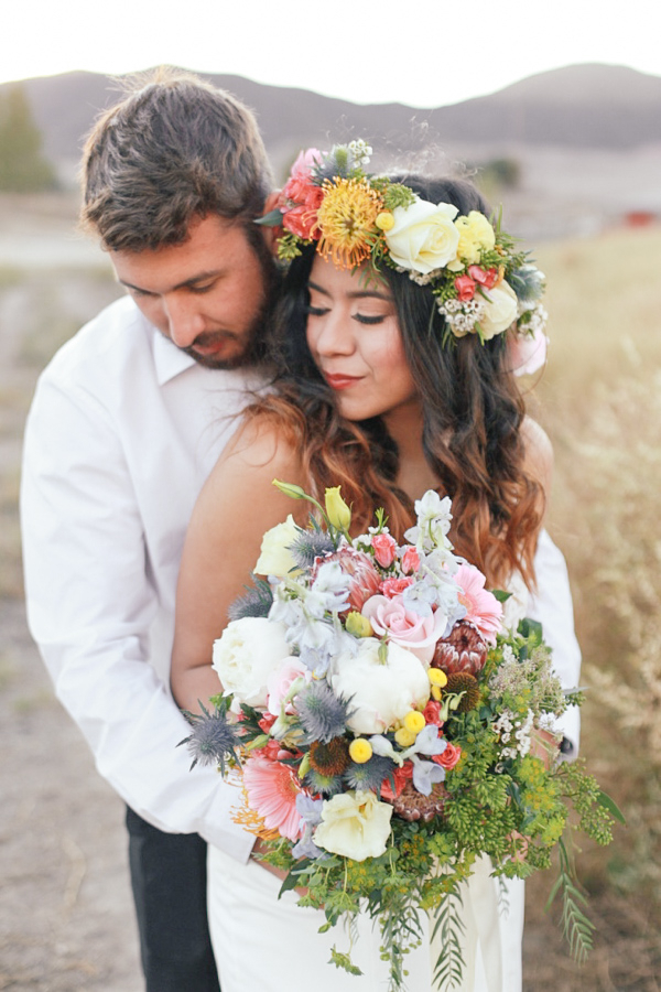 Romantic Bohemian Wedding Inspiration / photo by Elle Lily Photography and Videography / Florals by Sweet Stems Florist