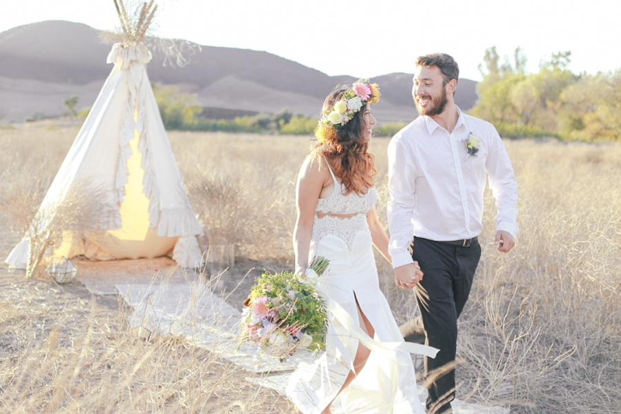 Romantic Bohemian Wedding Inspiration / photo by Elle Lily Photography and Videography
