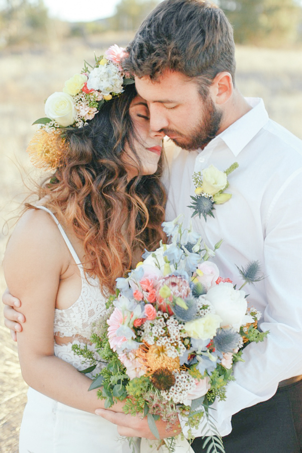 Romantic Bohemian Wedding Inspiration / Boho-Chic Bridal Flowers by Sweet Stems Florist / photo by Elle Lily Photography and Videography