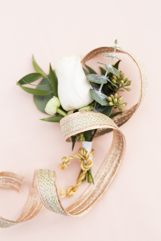 Single Rose Boutonnierre / designed by Kara Nash Designs / photo by Kevyn Dixon Photo