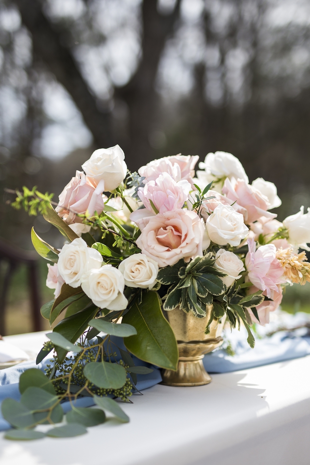 sleepy-hollow-styled-shoot-floral-centerpiece.jpg