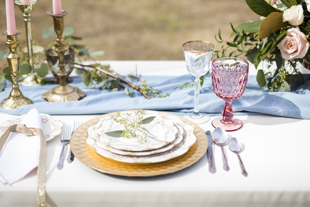sleepy-hollow-styled-shoot-tablesetting.jpg
