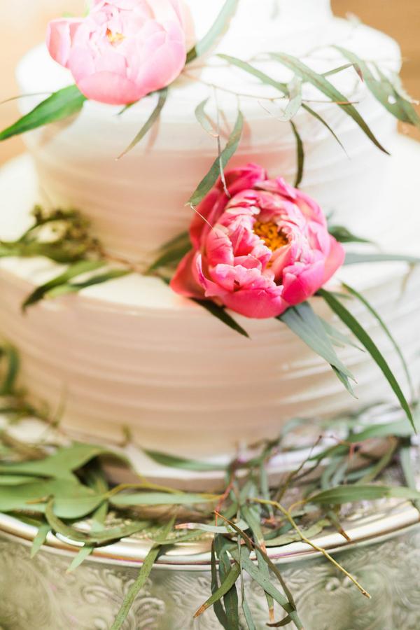 061416-southern-wedding-pink-peony-cake-detail.jpg