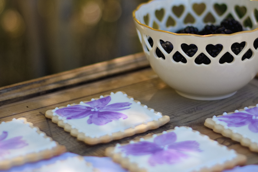 Pretty in Purple Hand-Iced Floral Wedding Cookies / photo by Autumn Noel Photography