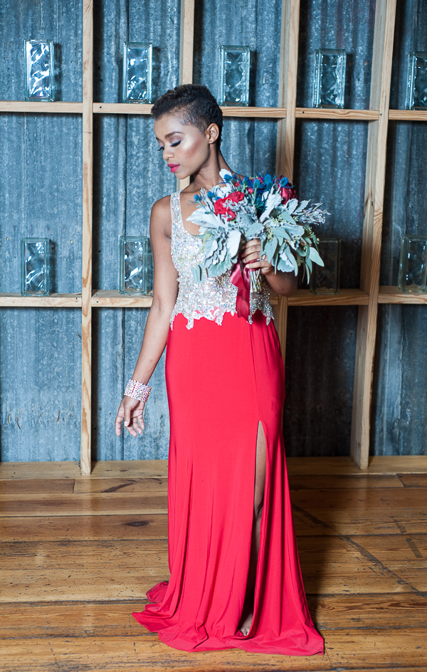 Urban Glam Wedding Ideas in Red and Blue - LOVE the red dress with gold sparkles / photo by Lavishly Lux Studio