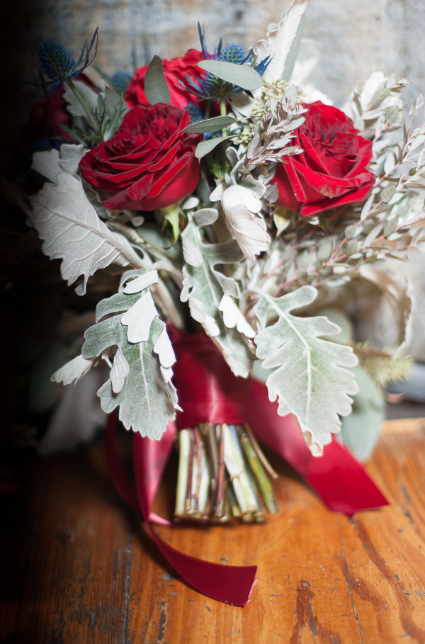 Urban Glam Wedding Ideas in Red and Blue / photo by Lavishly Lux Studio