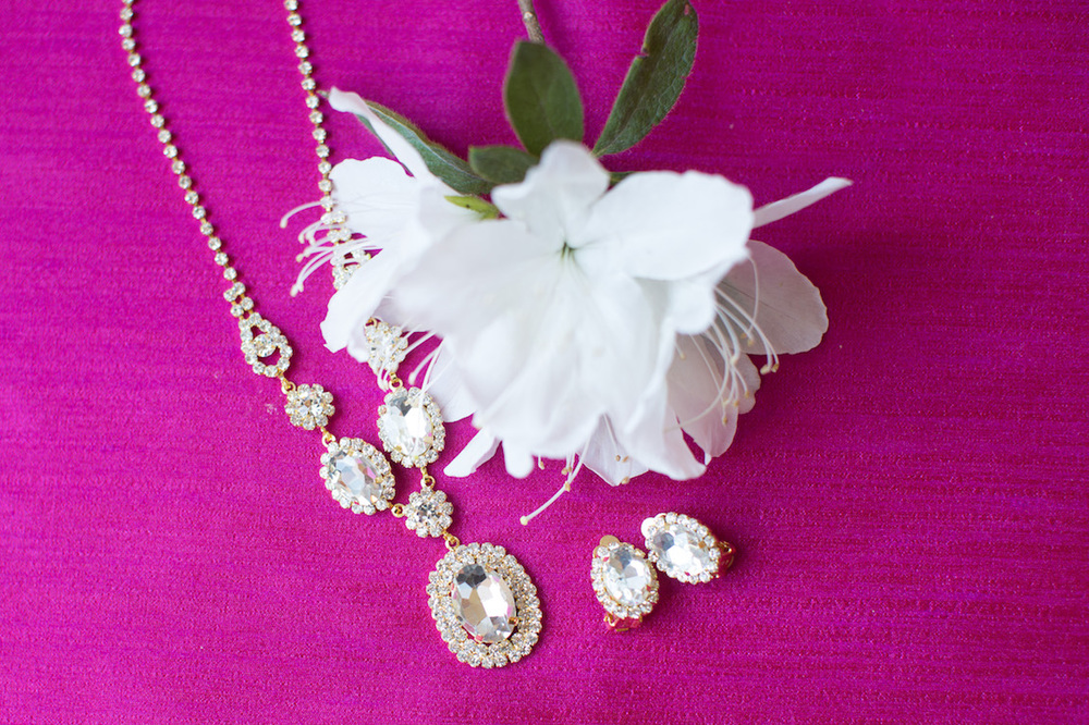 Pretty Sparkling Bridal Jewelry Set - Necklace and Earrings / Photography by Amy Nicole