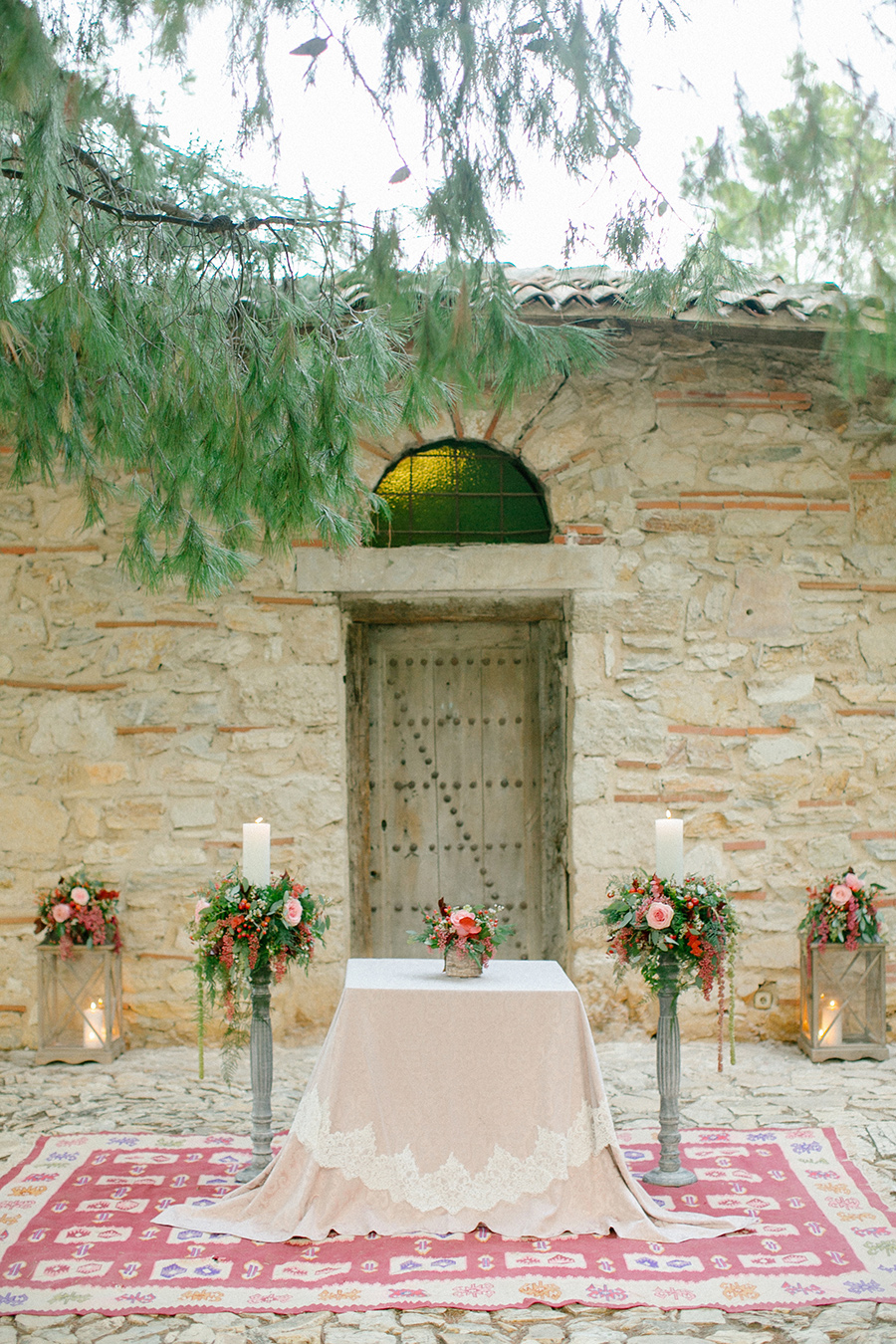 Gorgeous Boho Chic Inspired Wedding {styled shoot} in Greece - the perfect ceremony location / coordinated by Love 4 Wed / photo by Anna Roussos Photography