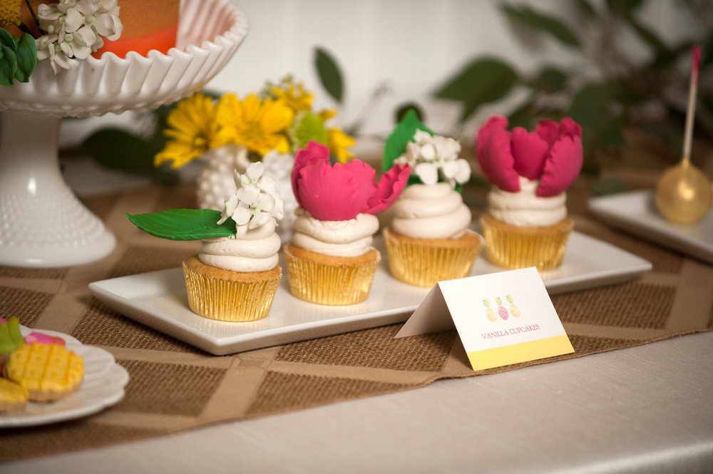 pineapple-bridal-shower-cupcakes-091316.jpg