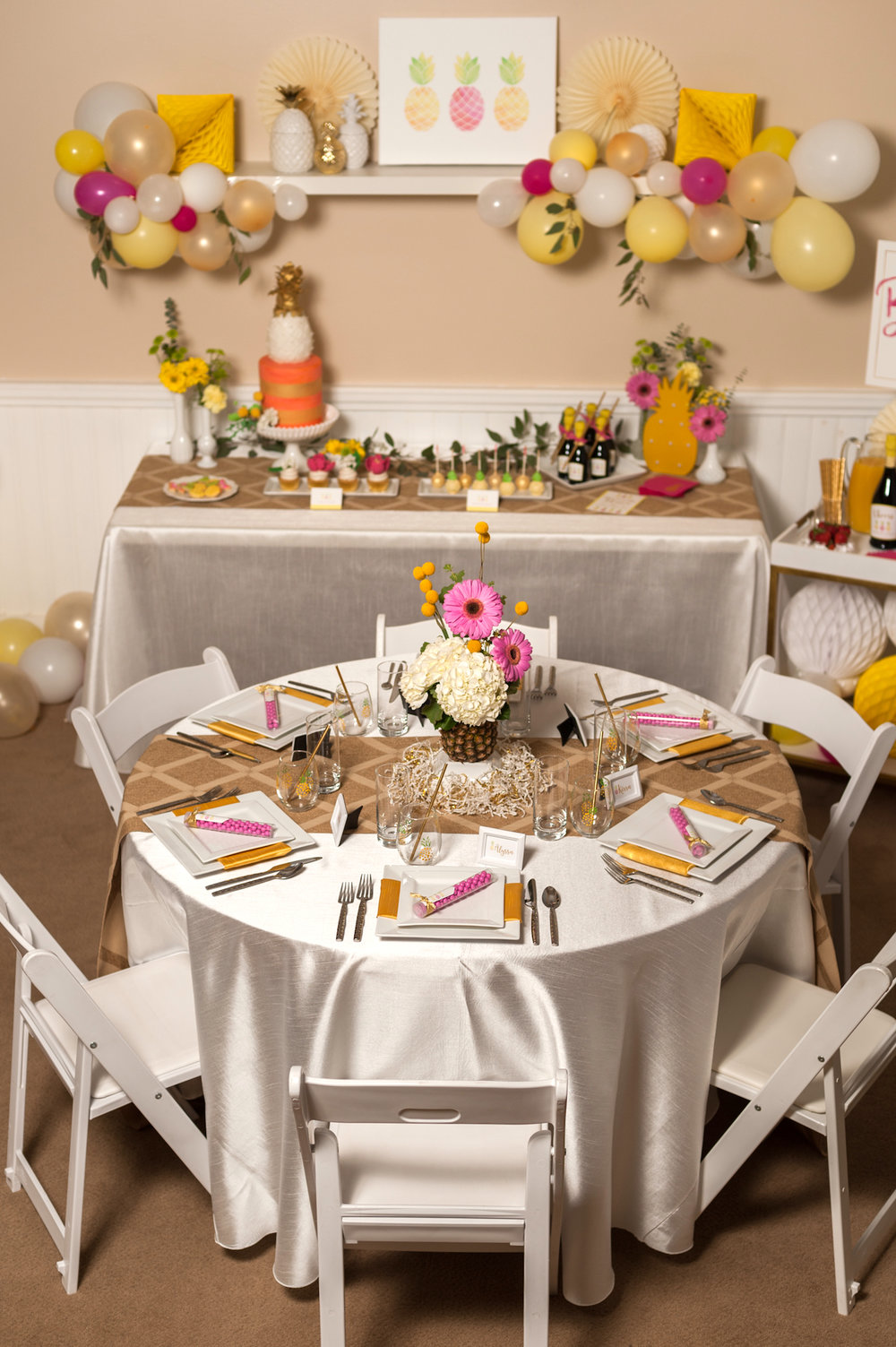 pineapple-bridal-shower-tablescape-2-091316.jpg