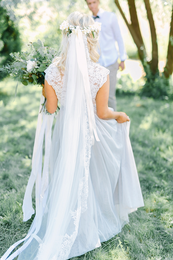 Boho Destination Wedding Inspiration - Bride in Long Veil with Lace and Tulle Wedding Gown / photo by Destination Wedding Photographer Linda-Pauline Pehrsdotter