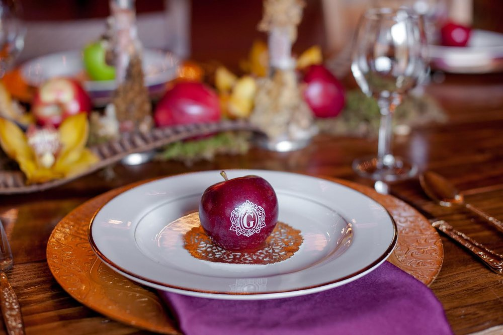 listing-fun-to-eat-fruit-wedding-favor-4.jpg