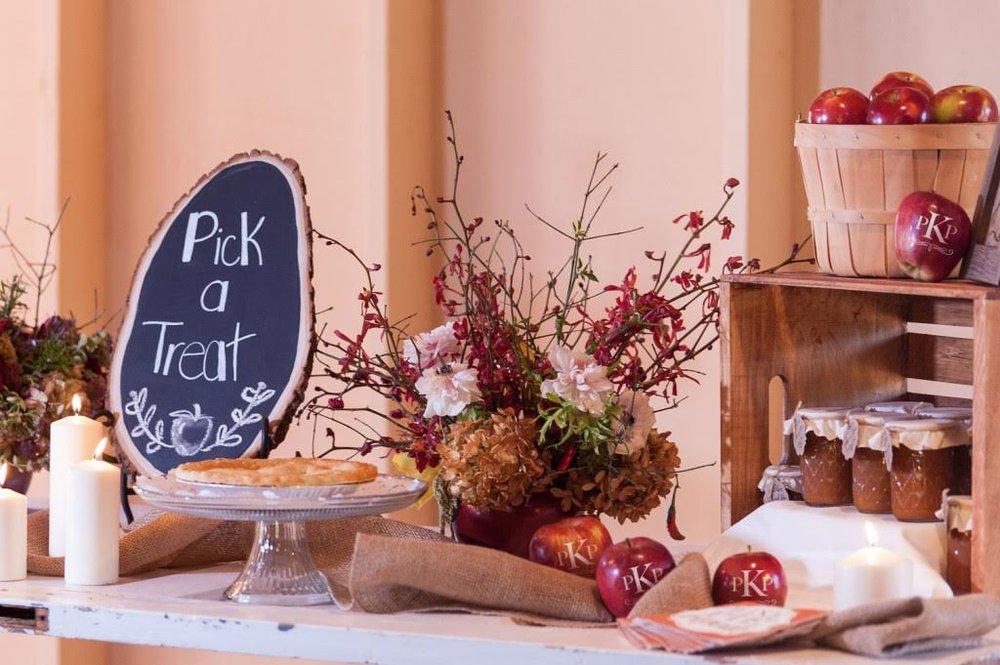 listing-fun-to-eat-fruit-wedding-favor-3.jpg