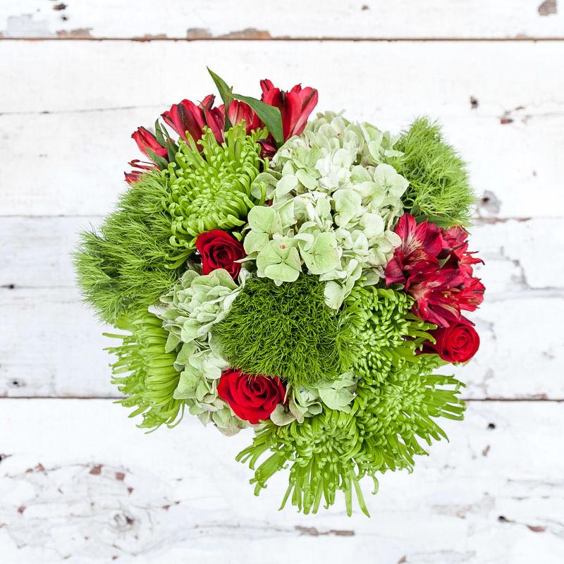 Mistletoe : hydrangeas, roses lilies