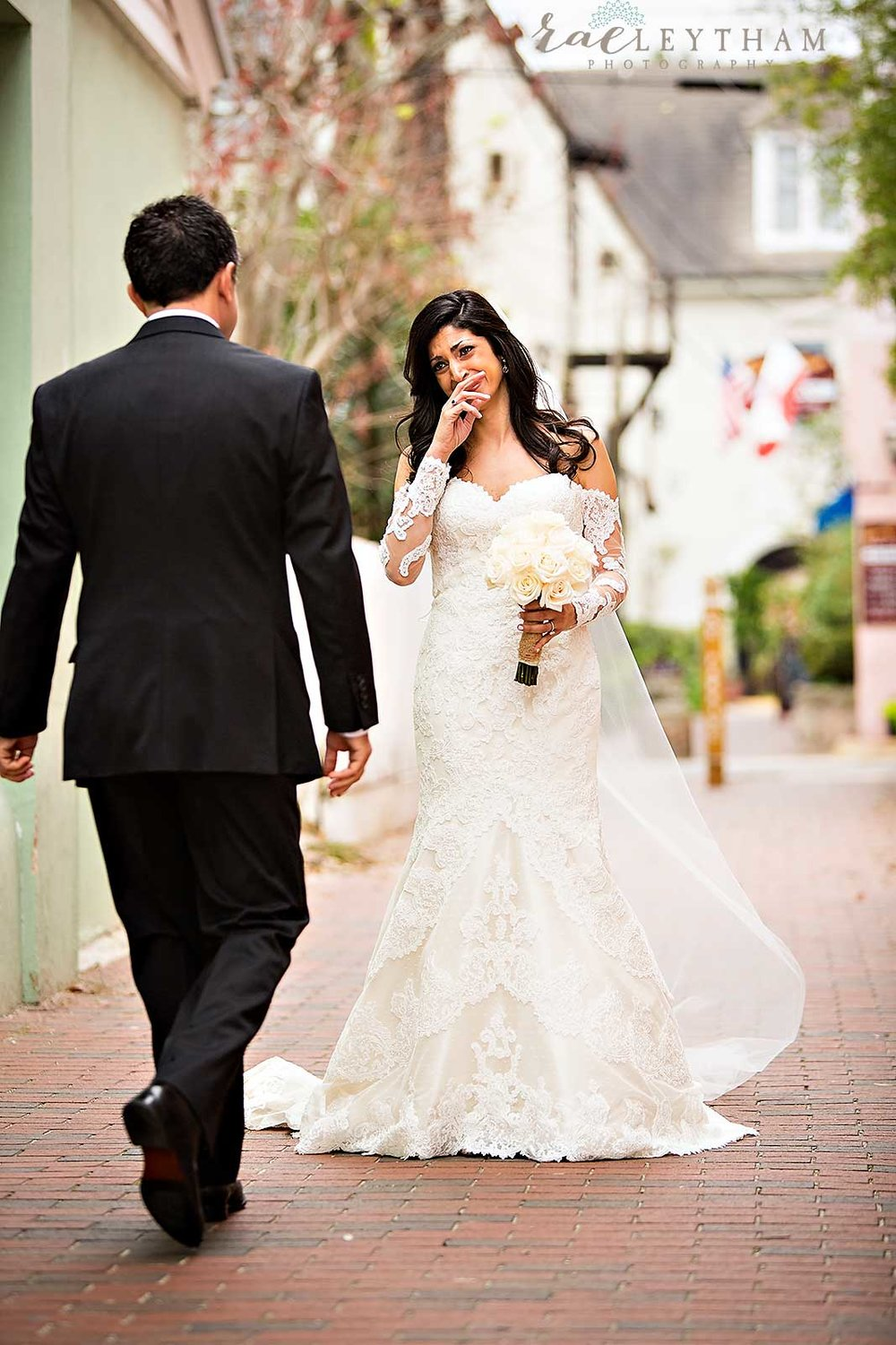 Planning a Florida Wedding on a Budget / photo by Rae Leytham Photography / St. Augustine Florida