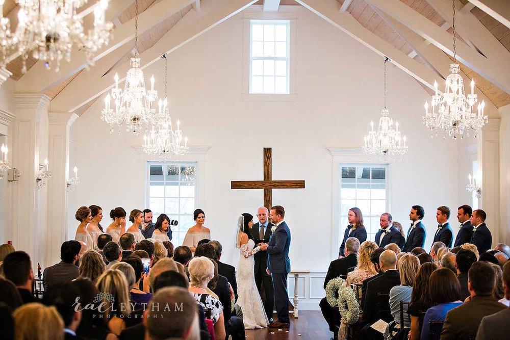planning-wedding-on-budget-vows.jpg