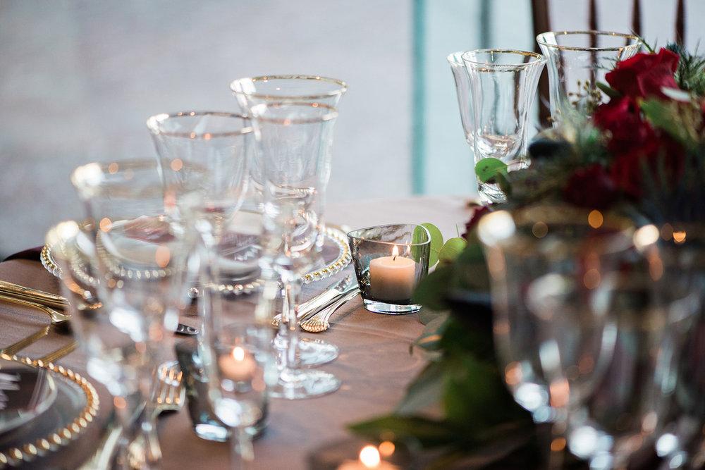 romantic-vintage-wedding-urban-venue-glassware-2.jpg