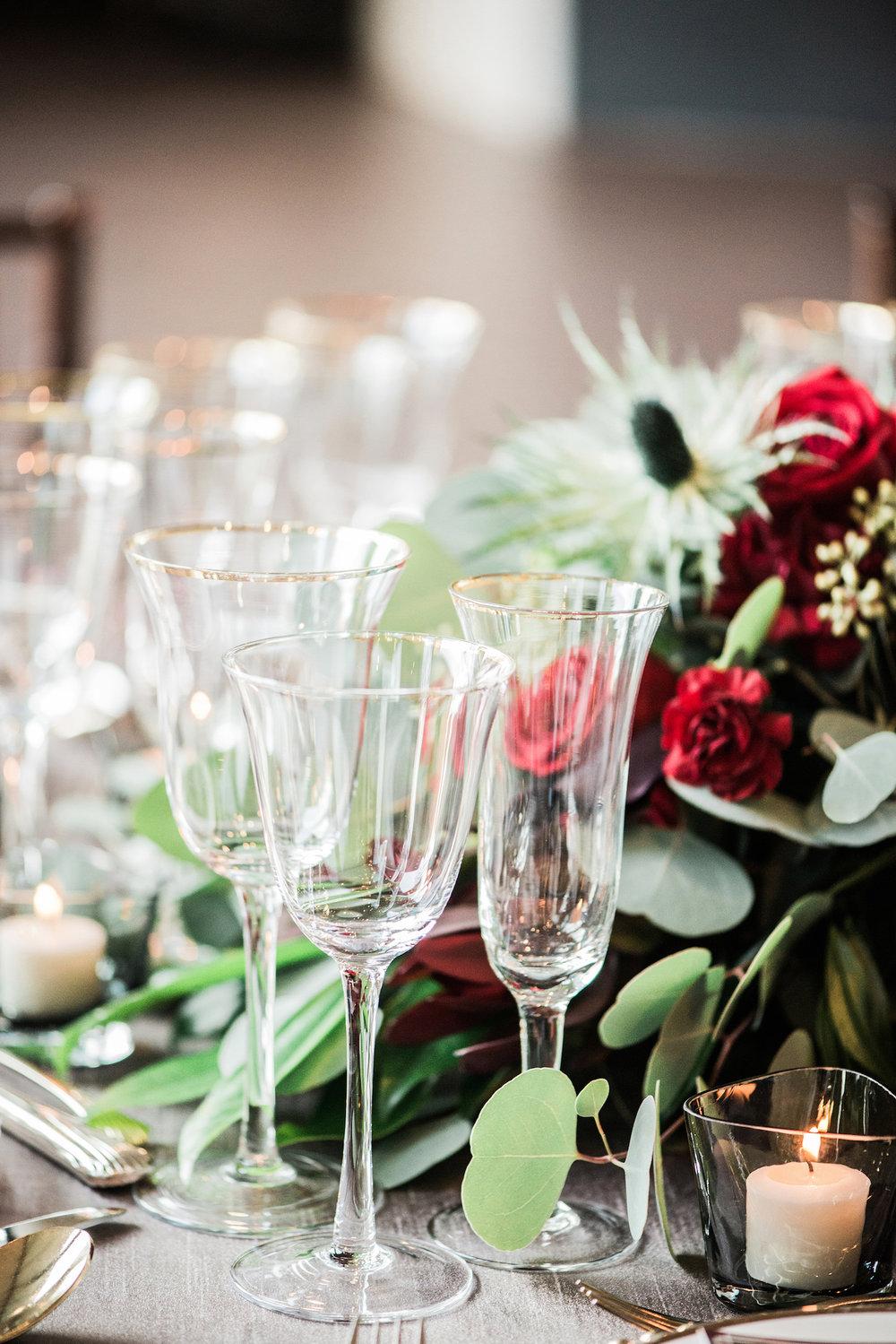 romantic-vintage-wedding-urban-venue-glassware.jpg