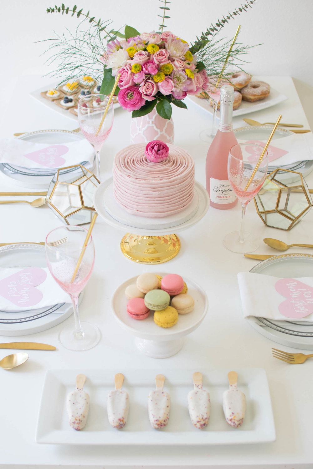 creative-diy-wedding-ideas-spring-brunch-tablescape-2.jpg