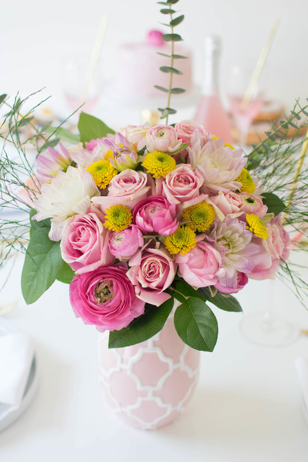 creative-diy-wedding-ideas-spring-brunch-pink-flowers.jpg