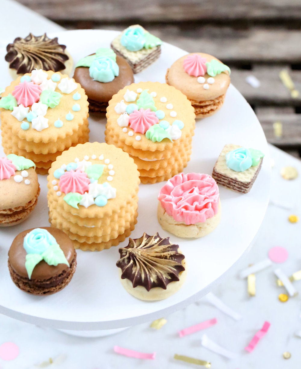 creative-diy-wedding-ideas-spring-cookies.jpg