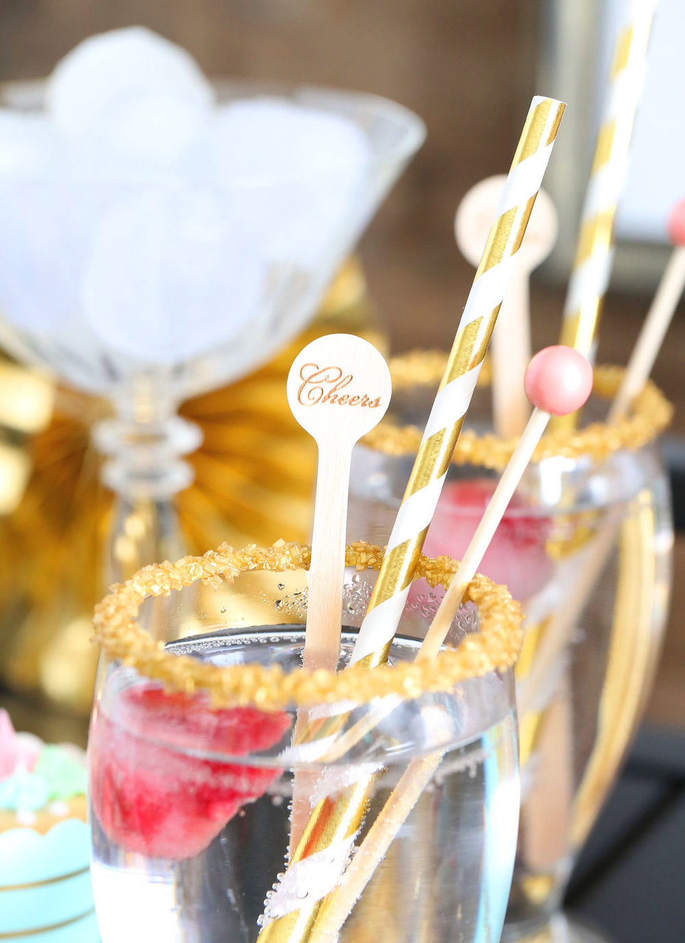 rcreative-diy-wedding-ideas-spring-drinks.jpg