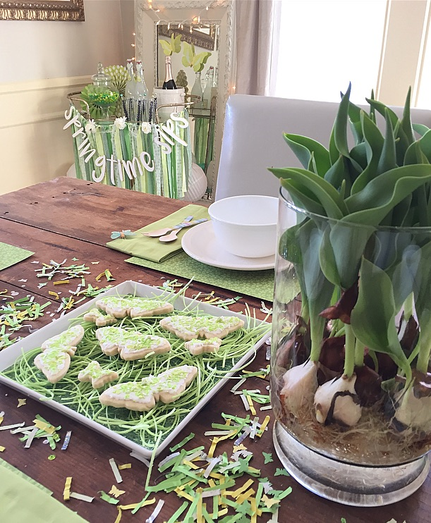 creative-diy-wedding-ideas-spring-green-centerpiece.jpg