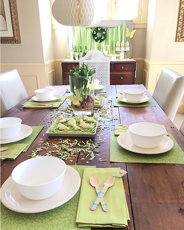 creative-diy-wedding-ideas-spring-green-tablescape.jpg